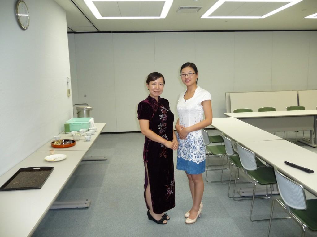 講師の徐さん(右)と、お世話をしていただいた長谷川さん(左)